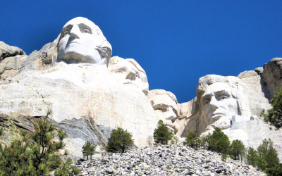 Yellowstone & Mt. Rushmore Guided Vacation